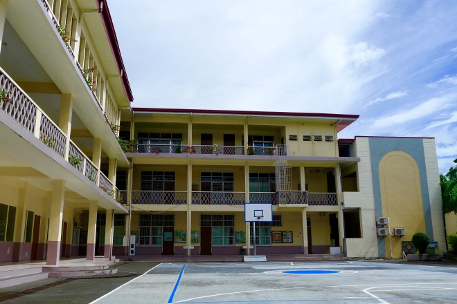 The Grade School. I spent 7 years here. St. Agnes Academy, Legazpi City.