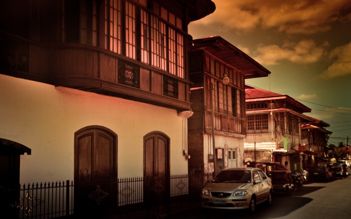 Old houses of Poblacion Taal, Batangas. It felt like being transported back in time. Photo: Bok Pioquid.