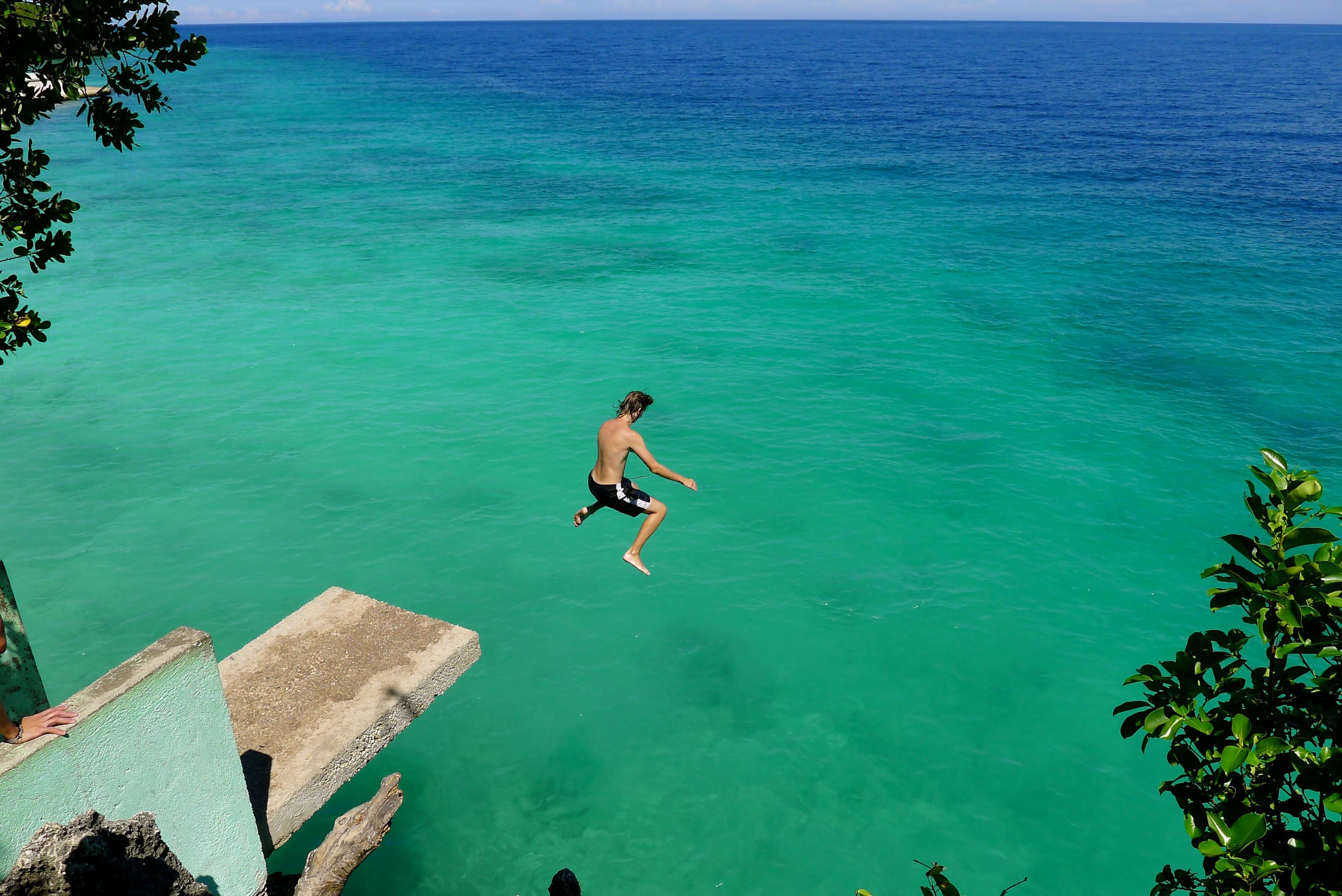 Cliff Diving in Salagdoong Beach Resort, Siquijor. Photo: Fr. Jboy Gonzales SJ