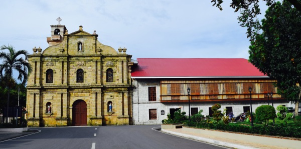 Sta. Barbara Catholic Church and Convent, Iloilo, Philippines. 9 September 2015 Photo: Fr. Jboy Gonzales SJ
